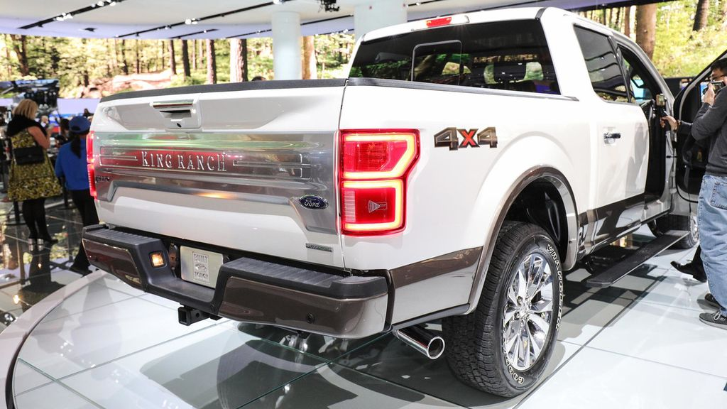 ... đã tăng này vẫn ít hơn tới sáu lần so với chiếc bán tải Ford F-150 hiện  nay – giá từ 71.185 USD (~ 1,6 tỷ VNĐ), theo bộ cấu hình trực tuyến của  Ford.